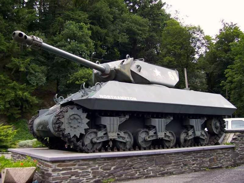 Le chasseur de char Achilles de La-Roche