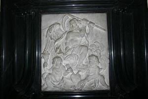 cathedrale_malmedy_11_detail_bas_relief