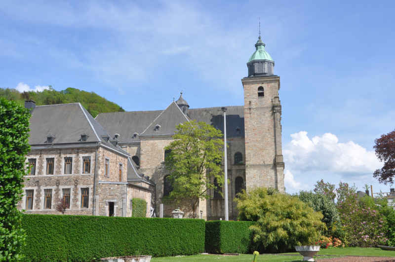 cathedrale_malmedy_place