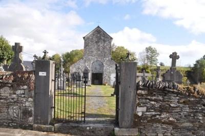 Ollomont-La barrière du cimetière grince un peu