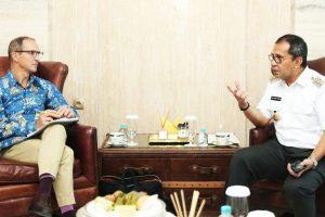 Kepala Divisi Politik Uni Eropa, Ingin Tahu Fenomena Kotak Kosong di Makassar