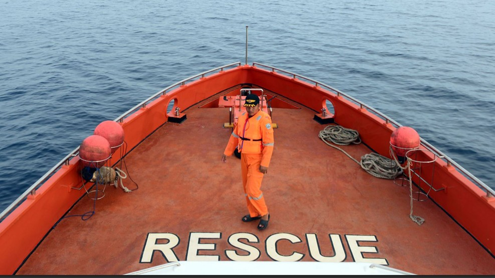 Kapal Kargo KM Lintas Timur Tenggelam di Sulawesi, 17 Awak Hilang