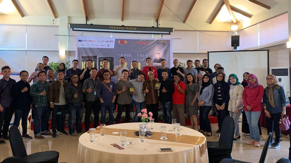 "IMA Chapter Makassar Gelar Seminar ""Bedah Buku Millenials KILL Everything"""