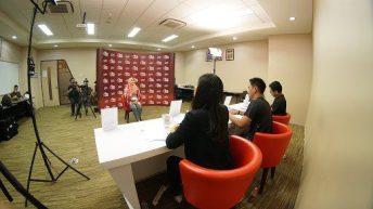 Ruangguru kembali mempersembahkan kompetisi pencarian pengajar terbaik di Indonesia dalam ajang Indonesia Teacher Prize 2020.