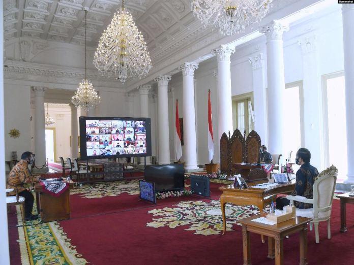 Jokowi Sebut Indonesia di Ambang Resesi