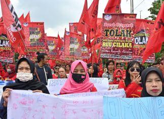Mayoritas Buruh Perempuan Sepakat Menolak UU Cipta Kerja