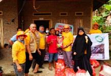 Tim Birma Peduli Serahkan Bantuan Langsung Ke Pengungsi di atas Bukit