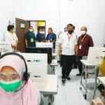 Rektor UNM, Pantau langsung Peserta UTBK-SBMPTN yang Disabilitas