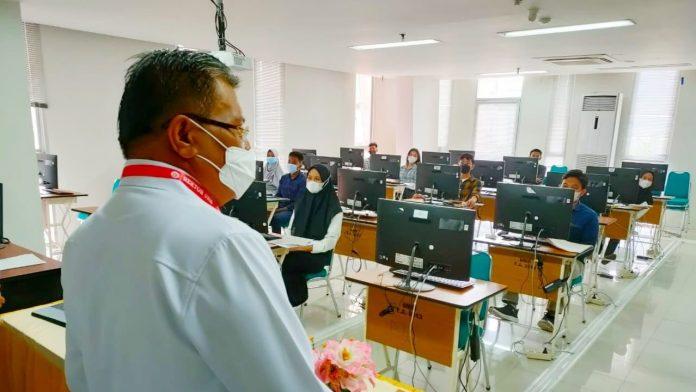 6936 Peserta Jalur Mandiri Ikuti UTBK, Rektor UNM Pastikan Prokes Berlangsung Ketat