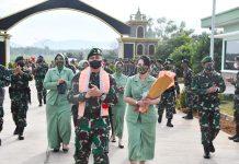 Prajurit Divif 3 Kostrad Sambut Calon Pangdivif 3 Kostrad Brigjen TNI Kunto Arief Wibowo