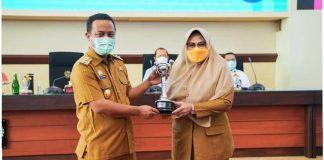 DP3A Dalduk KB Sulsel kembali Menerima Penghargaan APE Kategori Mentor