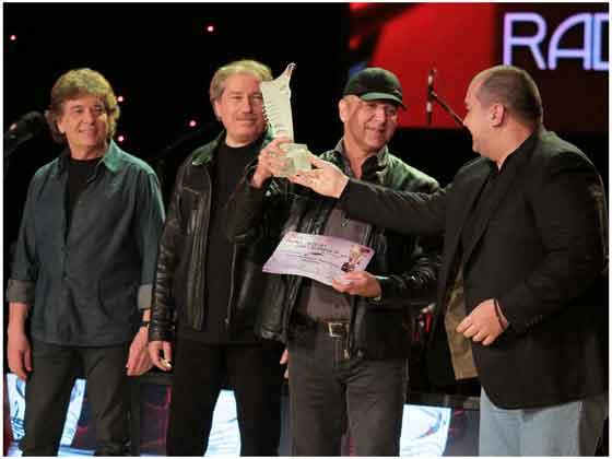 Loredana, Holograf, Andra, Stefan Banica si VUNK s-au numarat printre laureatii traditionalului spectacol de decernare a Premiilor Muzicale Radio Romania. Cea de a XI-a editie a premiilor a avut loc duminica seara, iar artistii MediaPro Music au luat sapte trofee, din cele 20 puse in joc.