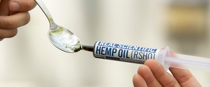 what's the difference between hemp oil and cbd oil - image of cbd oil on spoon