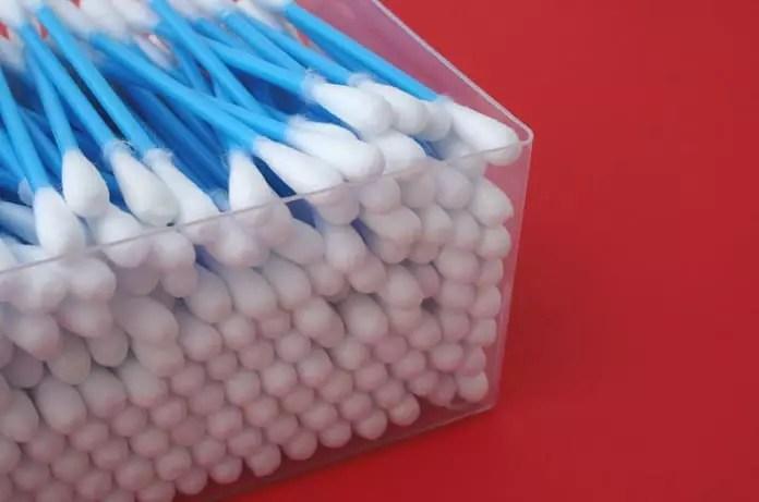 Cotton tip applicators
