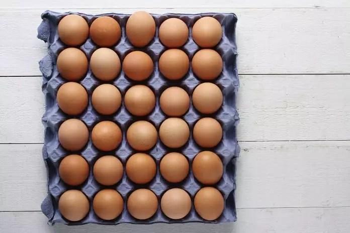 amount of vitamin D in eggs