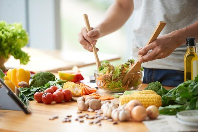 L'alimentation à dominante végétale engendre une baisse de la mortalité et de la morbidité