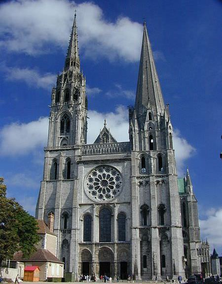 Chartres Cathedral - photo by Atlant / wikicommons