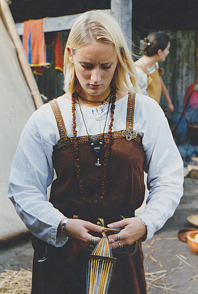 Women in the Viking age : death, life after death and burial customs