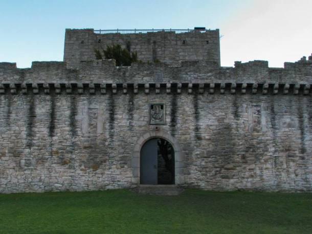 Craigmillar, Front