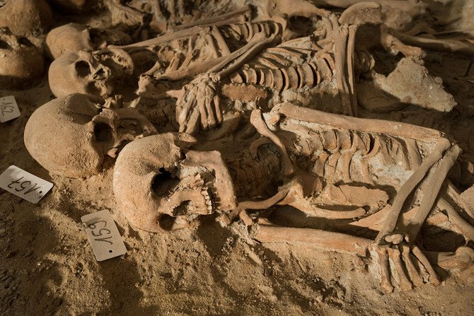 Medieval Mass Grave in Paris  © Denis Gliksman Inrap