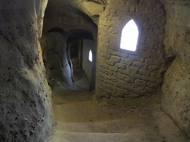 Sandstone steps in the caves at Nottingham Castle - photo by Lee Hayward / Flickr