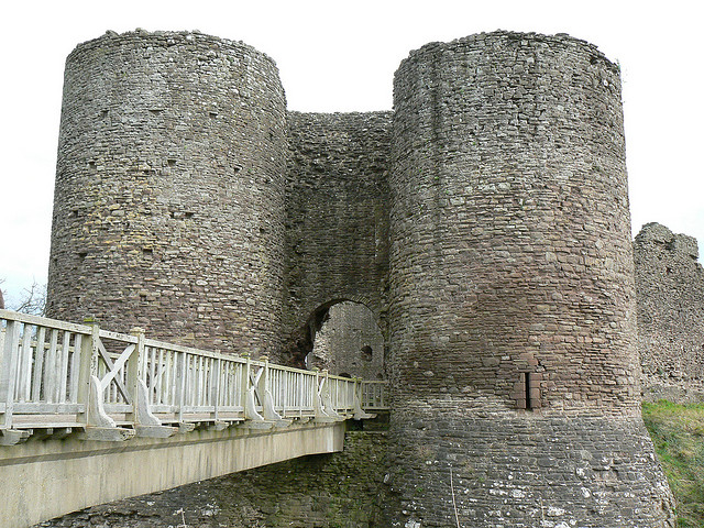 White Castle Wales - photo by Rob Phillips / Flickr