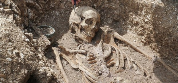 anglo saxon skeleton - photo UK Ministry of Defence / Flickr