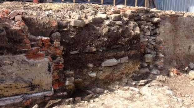 medieval wall lincoln - photo courtesy Lincolnshire County Council