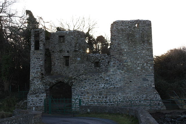 Mahee Castle - Mahee Castle, Ringneill Road, Mahee Island, County Down, Northern Ireland, Photo by Ardfern / Wikicommons