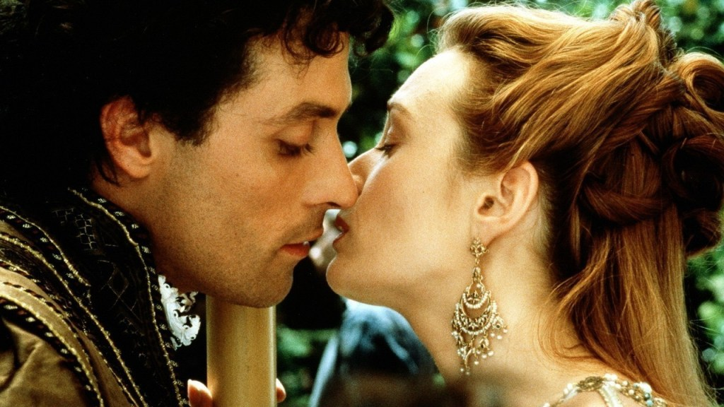"Veronica Franco (Catherine McCormack) kisses her lover, Marco Vernier (Rufus Sewell) in, ""Dangerous Beauty""."