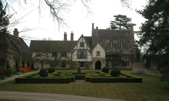 Lady Catherine lived at Fyfield Manor, Oxfordshire from 1512. (Wikicommons)