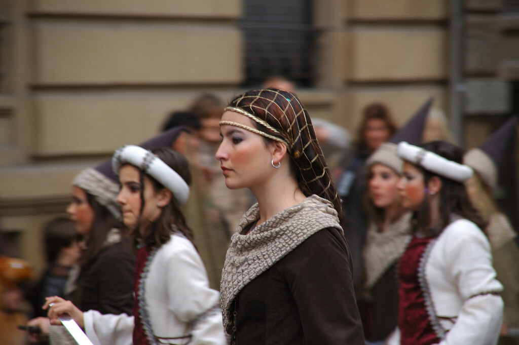 Cultures of Clothing in Later Medieval and Early Modern Europe