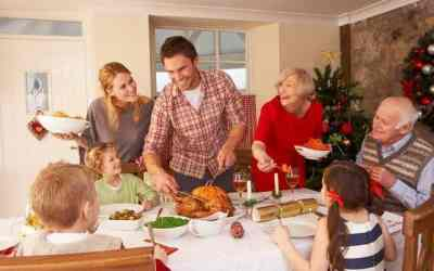 How to Avoid Overeating During the Holidays: Top 5 Life Hacks