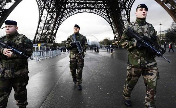 french-patrol-streets
