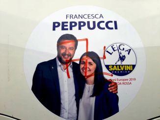 Atto vile contro la candidata Peppucci della Lega, svastica disegnata al contrario