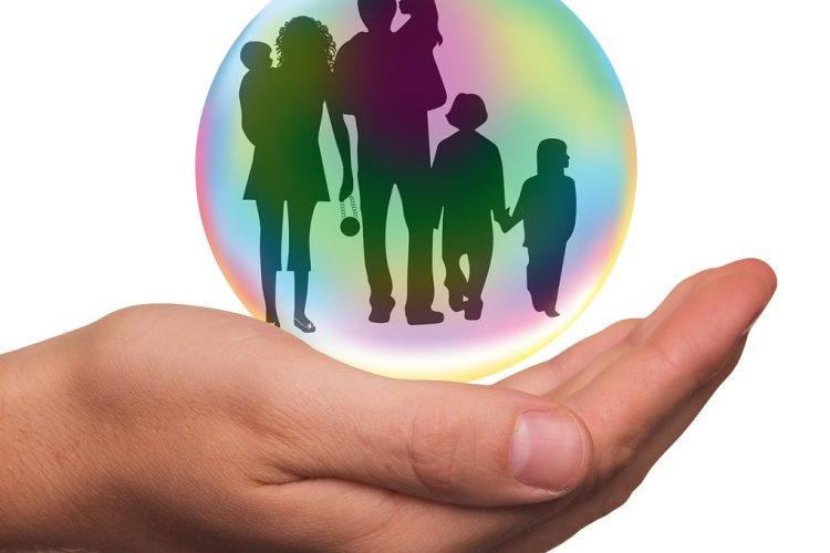 Lapsiperheen top 3 vakuutukset