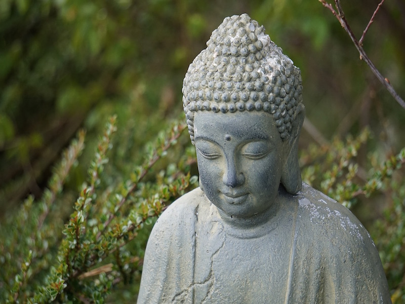A Meditation Guide: 8 Tips For Successful Meditating