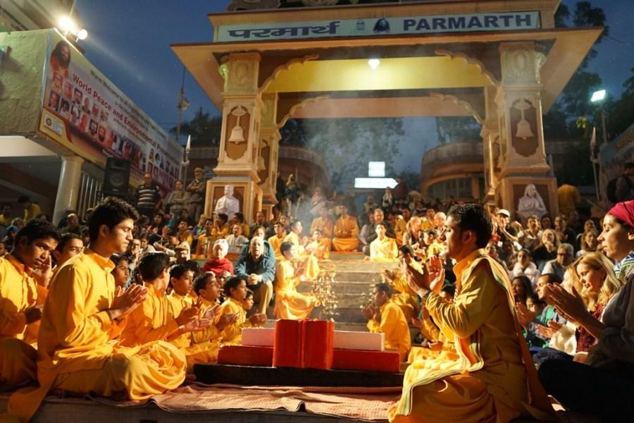 Ganga Pooja At Parmarth Niketan ashram Rishikesh Uttarakhand