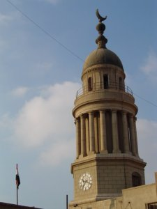 The tower of the main building of Al-Qasr Al-Aini Medical School (Source: Ahmed Kamel, Panoramio.com)