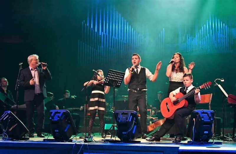 Mirko Švenda Žiga, Laura, Goran, Andrea i Ervin Šafarić u KC Vatroslav Lisinski u Zagrebu