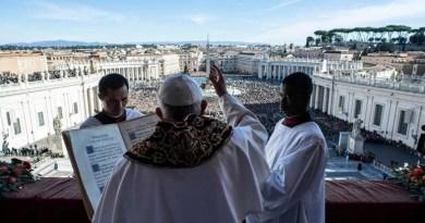 Vatikan je homoseksualiziran, cijela institucija je izgrađena na laži, dvostrukom životu, shizofreniji, licemjerju...