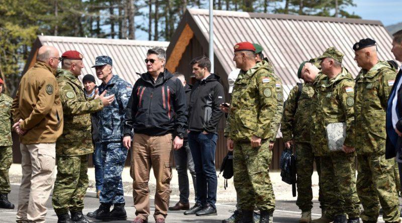 Milanović odgovorio Orbanu porukom maturantima