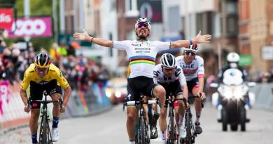 Svjetski prvak počeo prerano slaviti pobjedu, pa doživio hladan tuš