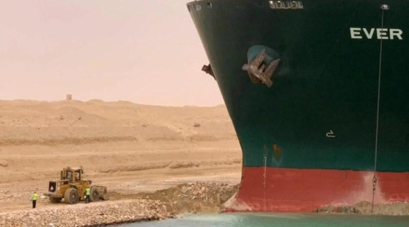 Ever Given će možda još tjednima blokirati Suez