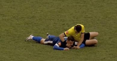 Nogometaš se srušio na terenu, sudac mu spasio život