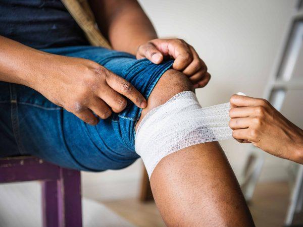Finde heraus, woher deine Kniekehlenschmerzen kommen.