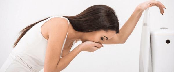 vomiting on period