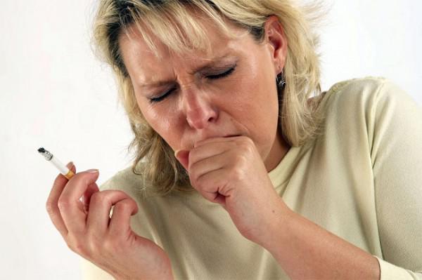 курение табака и кашель