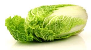 Пекинская капуста, овощ, безусловно, полезный, но все же употреблять в своем рационе его необходимо в умеренном количестве