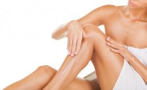 После эпиляции нужно правильно ухаживать за кожей, обеспечив ей питание и увлажнение
